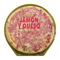 Hacendado pizza fresca jamon york mozzarella familiar de 600g.