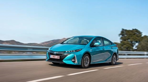 Toyota Prius 2017 Review