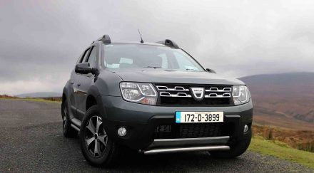 dacia duster se summit review reviews. Black Bedroom Furniture Sets. Home Design Ideas