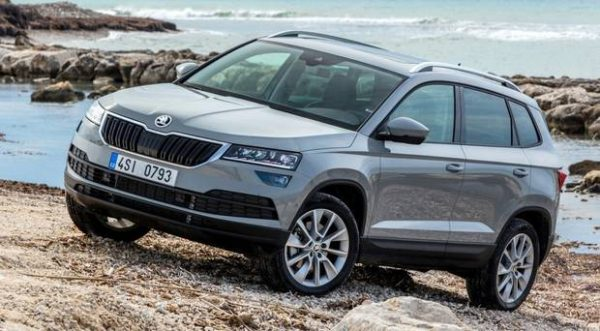 skoda karoq 2018 review boring looks but it 39 s good. Black Bedroom Furniture Sets. Home Design Ideas