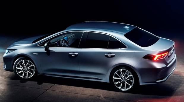 Toyota Hybrid Cars >> New Corolla Hybrid Toyota Joins Hybrid Invasion