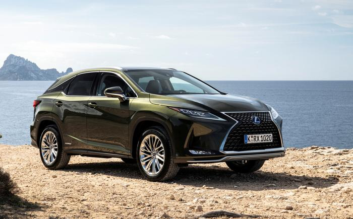 Lexus SUV ups tech and comfort, but petrol V6 hits MPG