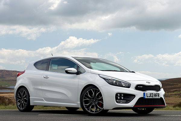 2014 kia proceed gt review full uk review carwow. Black Bedroom Furniture Sets. Home Design Ideas