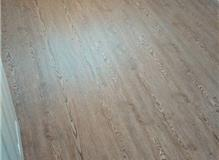 Laminate/wood effect vinyl