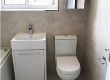 Vanity unit and close coupled wc