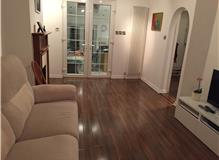 Installation walnut laminate
