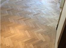 Installation oak herringbone