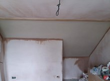Lime plaster ceiling, plaster walls and ceilings.