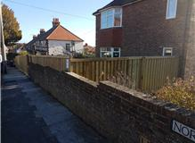 NEW TIMBERWALL FENCING