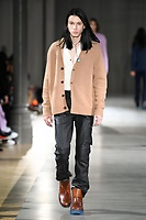 ACNE_MEN_FW19_0043