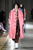 ACNE_MEN_FW19_0075