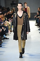 NO21_MEN_FW19_0025