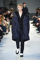 NO21_MEN_FW19_0038