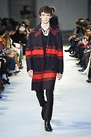 NO21_MEN_FW19_0043