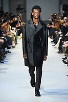 NO21_MEN_FW19_0059