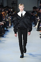 NO21_MEN_FW19_0061