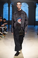 TOUR_MEN_FW18_0025