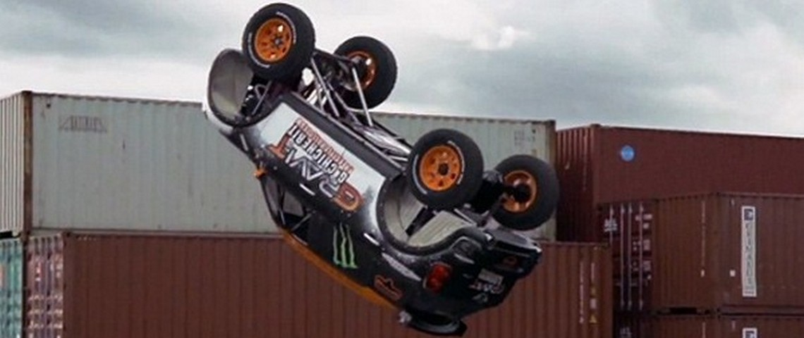 MINI-Countryman-Backflip-1