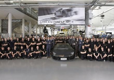Lamborghini Aventador LP 700-4 numero 2000
