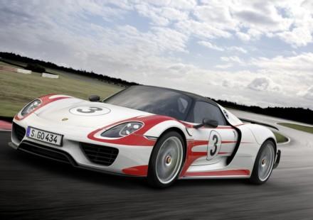 Porsche 918 Spyder Weissach pack