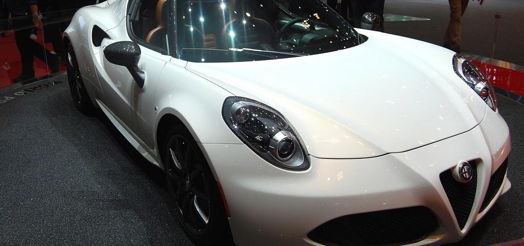 Alfa Romeo 4C Spider LIVE