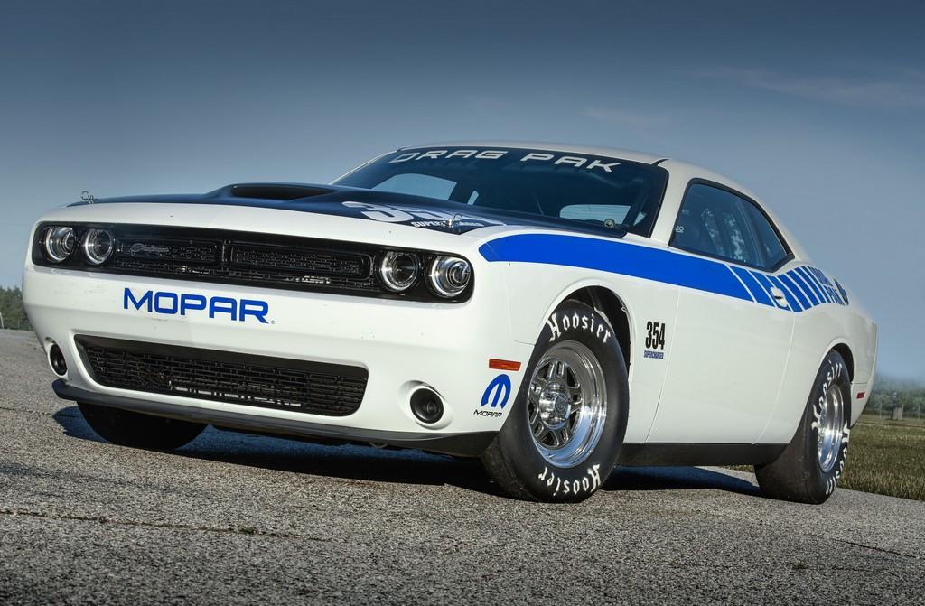 Mopar Dodge Challenger Drag Pak Tre Quarti