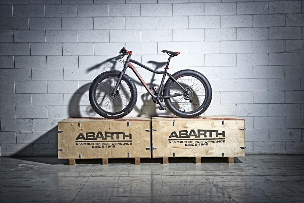 Abarth Extreme Fat Bike Lato