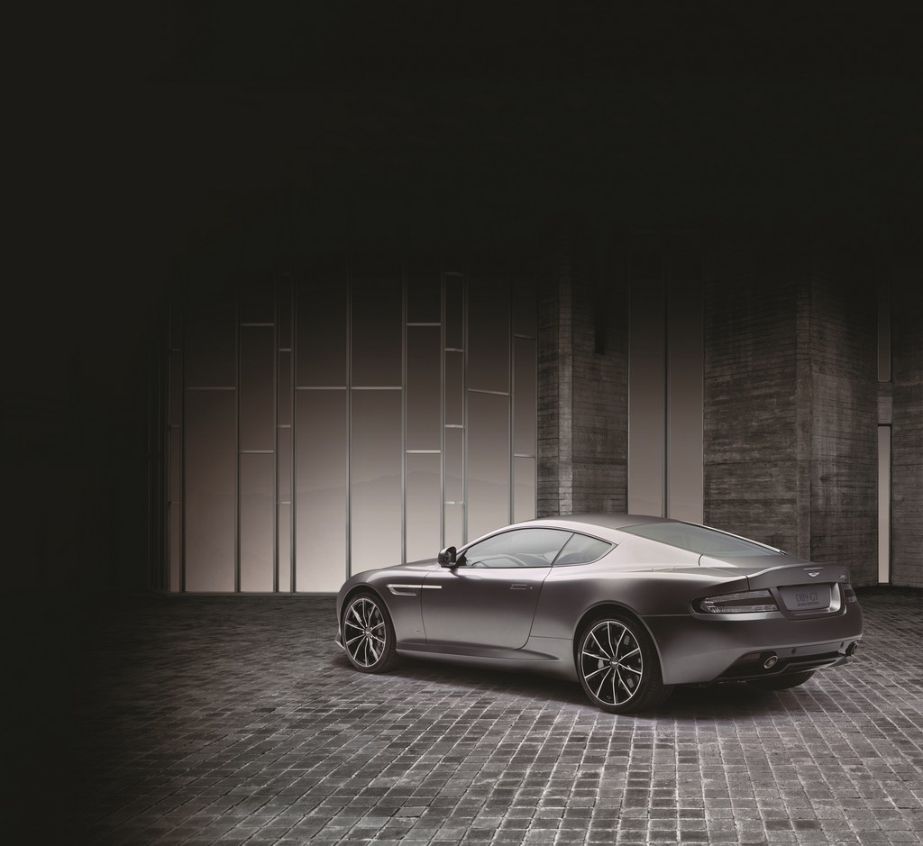 Aston Martin DB9 GT Bond Edition Tre Quarti Posteriore