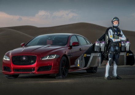 JetMan-vs-Jaguar-XJR