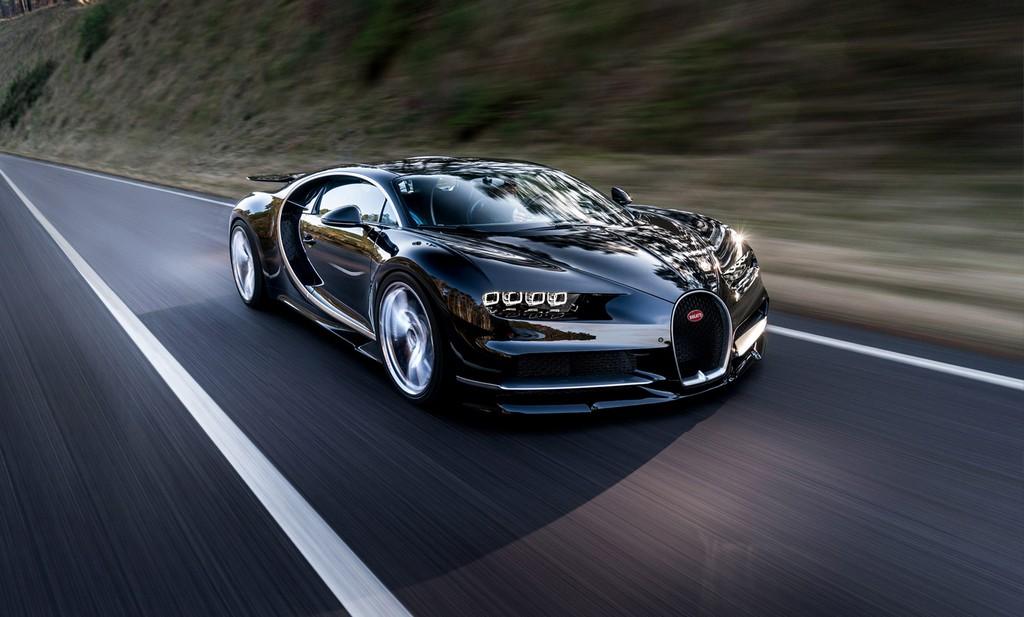 Bugatti Chiron Pista Tre Quarti