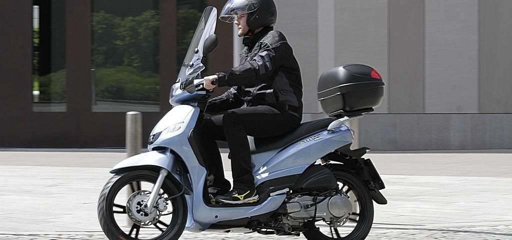 Peugeot Scooter Tweet