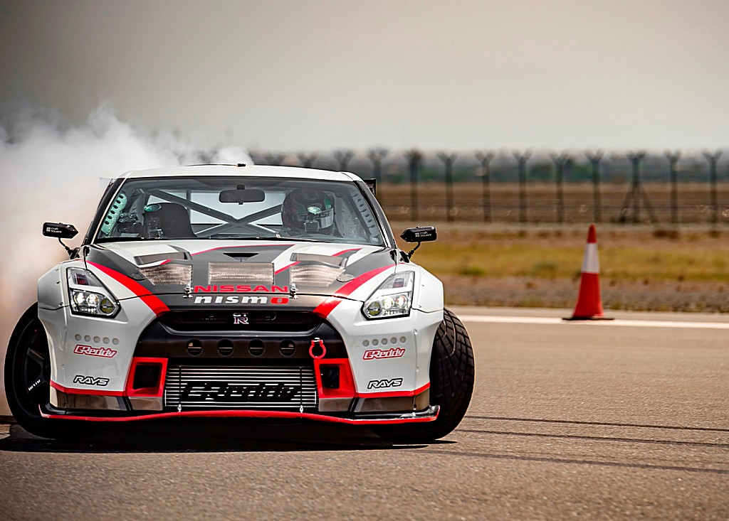 Nissan GT-R Nismo MY16 Guinness World Record
