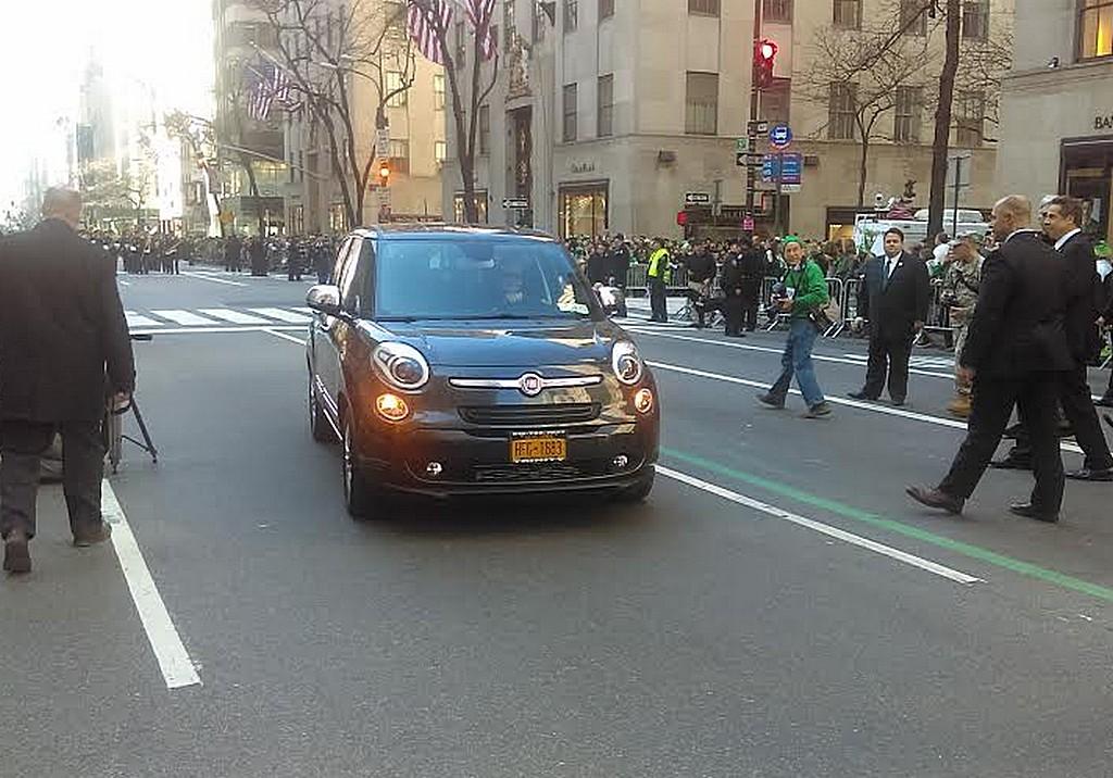 Fiat 500L Papa Francesco New York Davanti