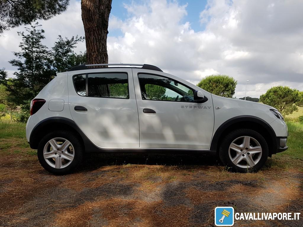 Dacia Sandero Stepway Lato