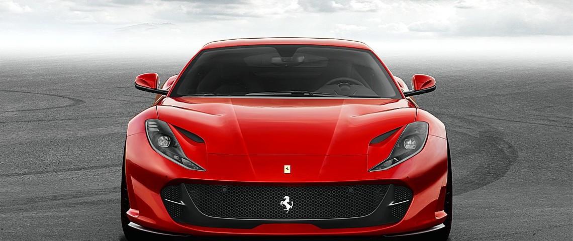 Ferrari 812 SuperFast Davanti