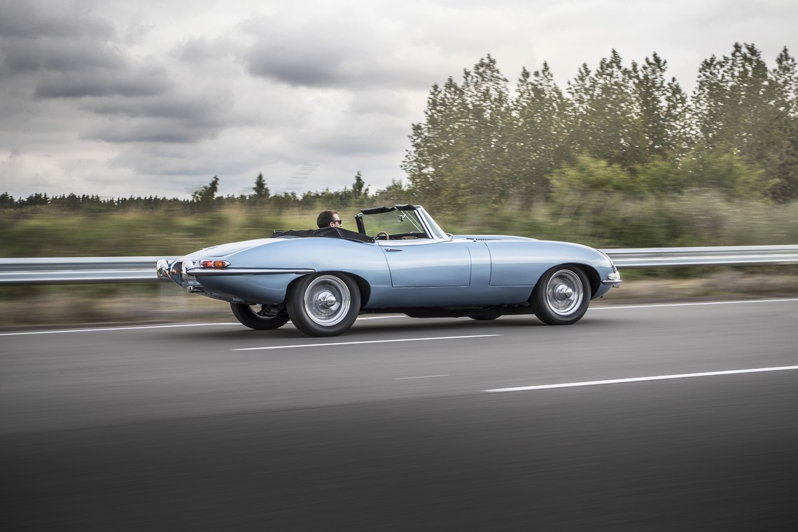 Jaguar E-Type Zero Lato