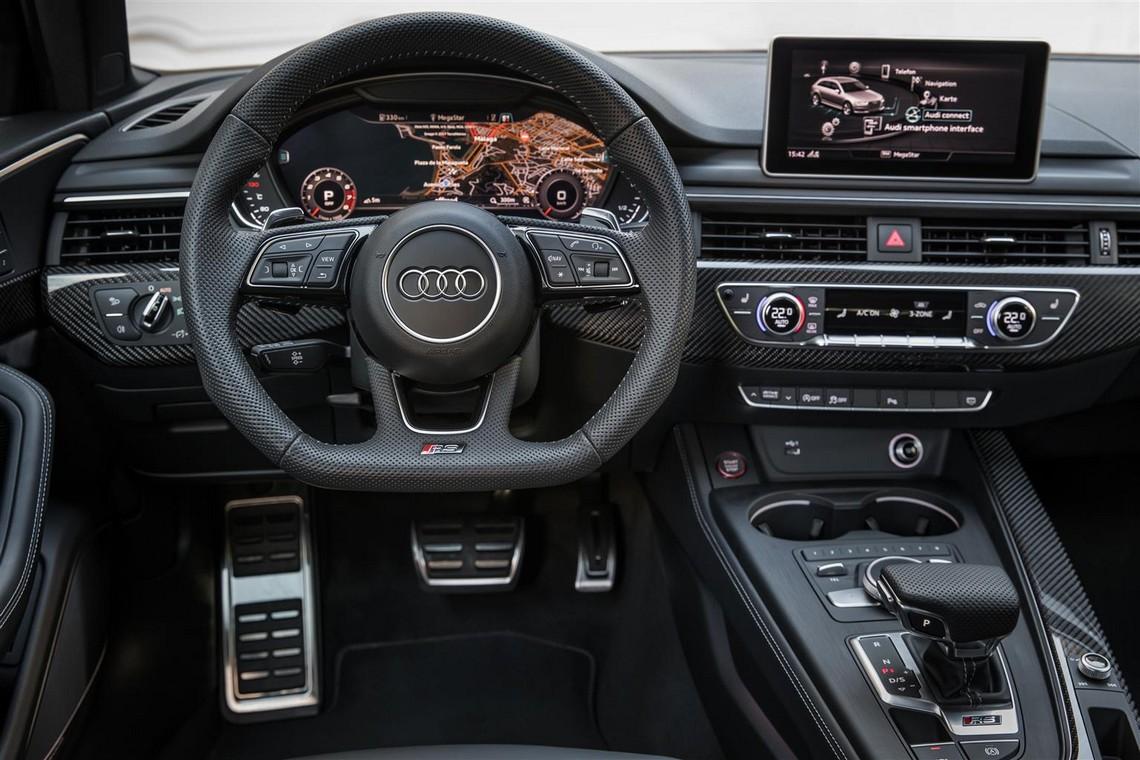 Audi RS4 Avant Cruscotto