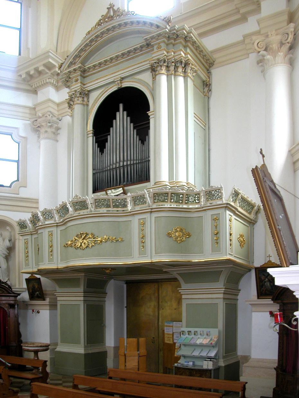 Restauro completo del coro, della cantoria e dei due confessionali (XVIII sec)