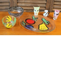 Bordslampa med keramikfot Tiptapp