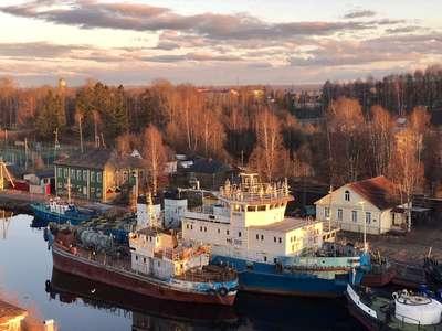 Корабли в ожидании судоходного сезона на Онежском озере  @dmitry_serdyk