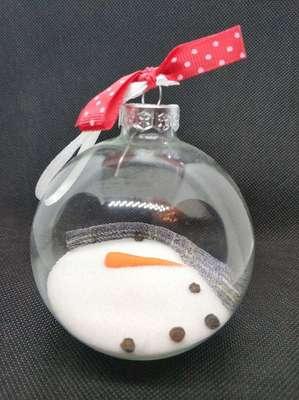 """Елочный шарик """"Снеговик, растаявший от любви!"""" Немного улыбки в Новогоднюю ночь!  Продается и выполняется на заказ. 500 руб."""
