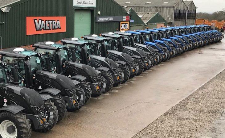 Big fleet of Valtra tractors sold to a single buyer in UK deal