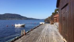 Innholdsrik hytte med båtplass og naustbod inkludert!