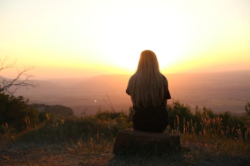 ensom kvinde