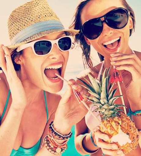 Barcelona - Hen Party Packages - Beach Bar Crawl