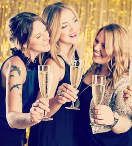 Hen Party Packages - Brighton - Bubbly and Besties