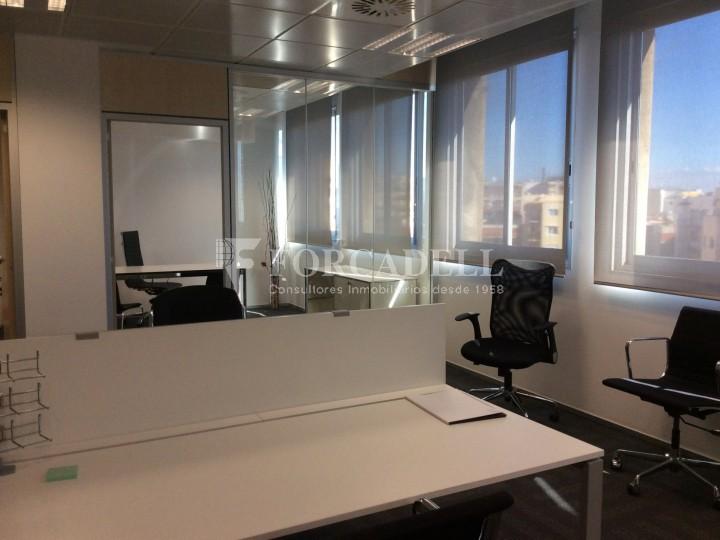 Oficina en lloguer a l 39 eixample barcelona cod 1808 for Oficina treball barcelona
