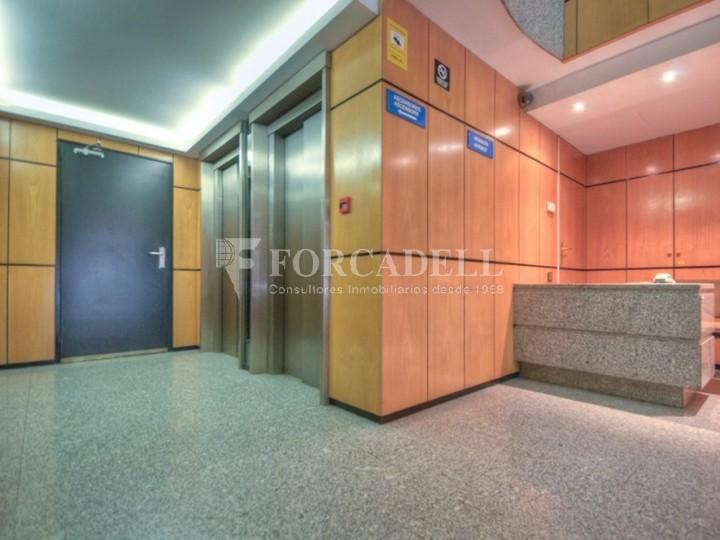 Oficina recentment reformada en lloguer al carrer Aragó. Barcelona. #7
