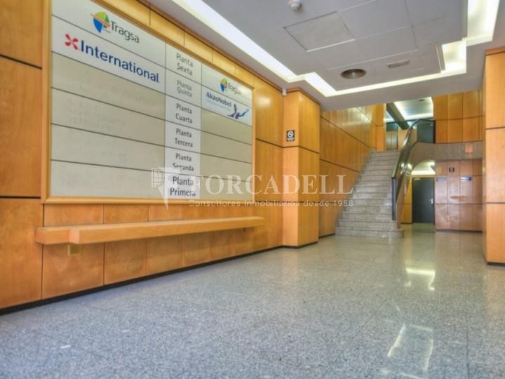 Oficina recentment reformada en lloguer al carrer Aragó. Barcelona. #8