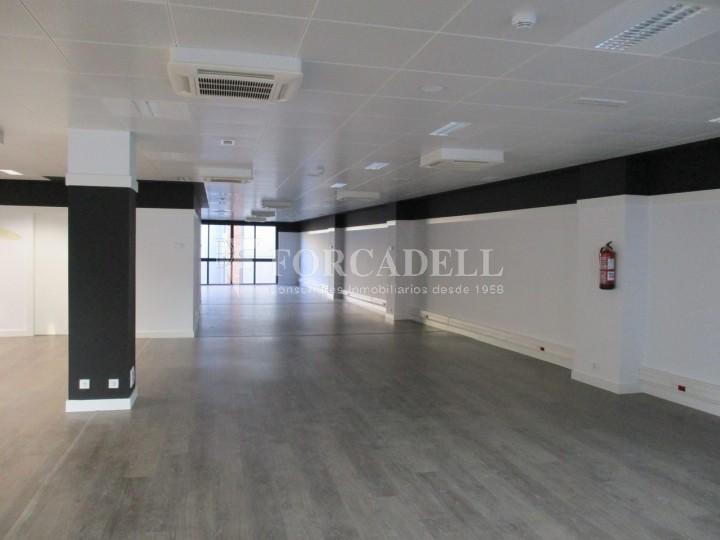 Oficina recentment reformada en lloguer al carrer Aragó. Barcelona. #2